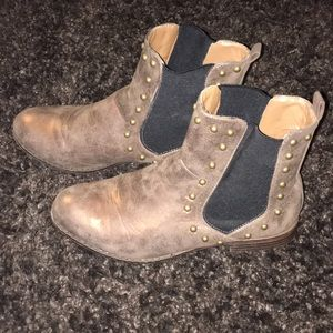 Bamboo Chelsea Ankle Booties Brown Gold Size 8